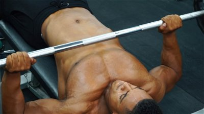 DECLINE BENCH BARBELL PRESS
